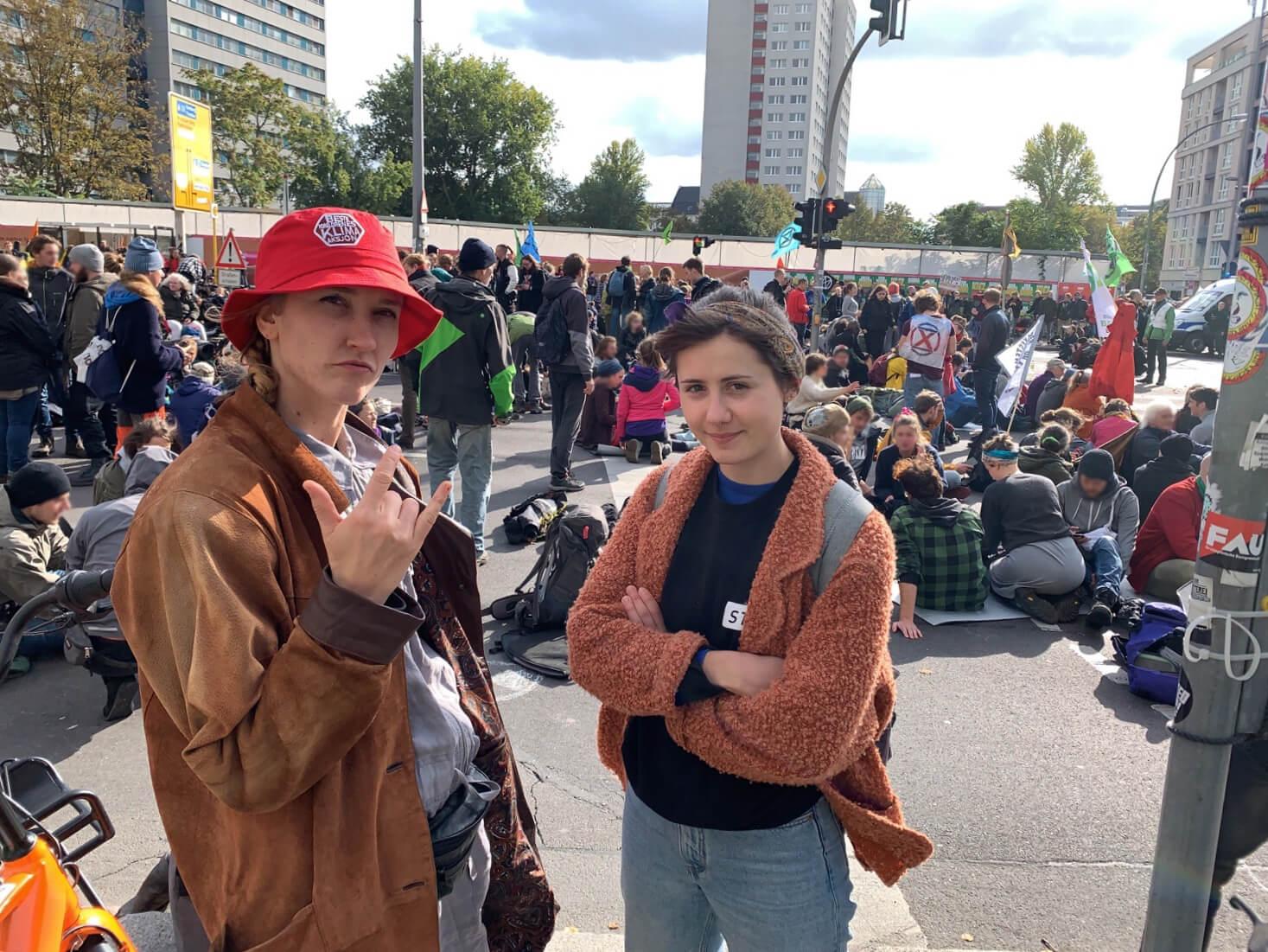 Stoff er med når Extinction Rebellion okkuperer Großer Stern. FOTO: Morgane Fauconnier
